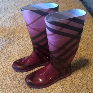 Burberry Ombre Raspberry Rain Boots/Booties